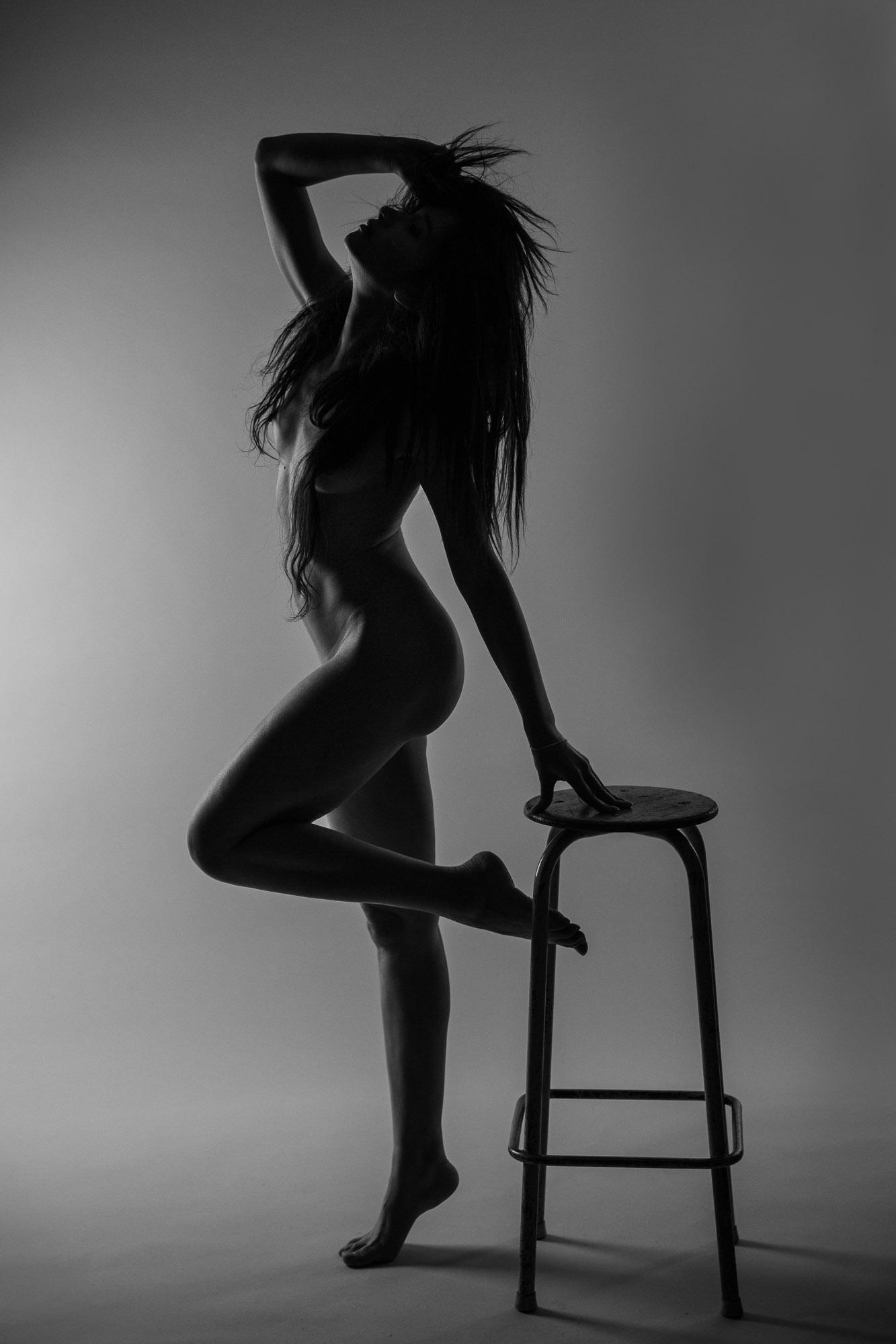 Nude-8